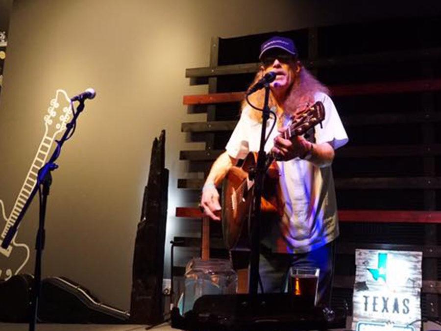 Live Music Dan Roark